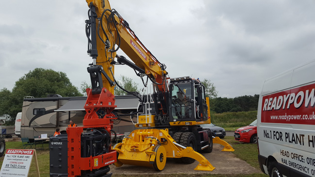 Readypower DX 270HS with Movax Piling Unit Attached -1
