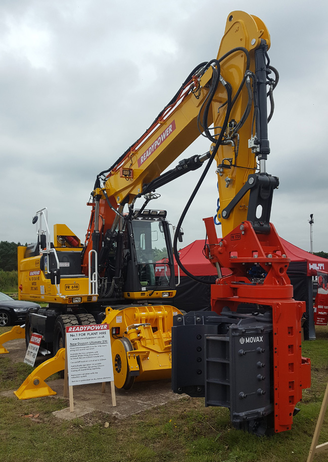 Readypower DX 270HS with Movax Piling Unit Attached-2