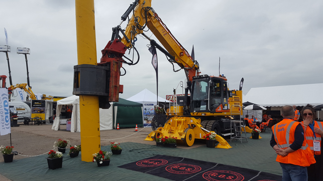 TRS Dx270 HS with Piling head