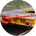 Trailer end showing Jost coupling and emergency tow bar.